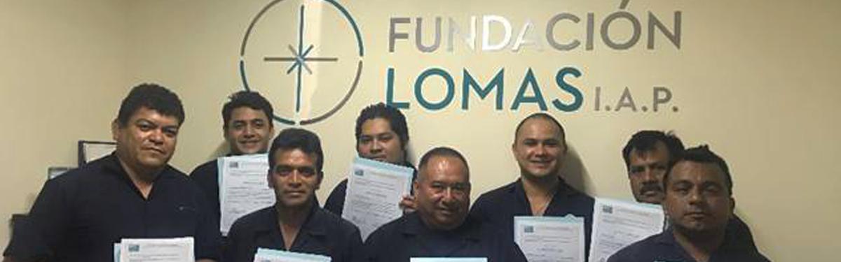 Miembros del CECATI 149 capacitan a compañeros de Grupo Lomas